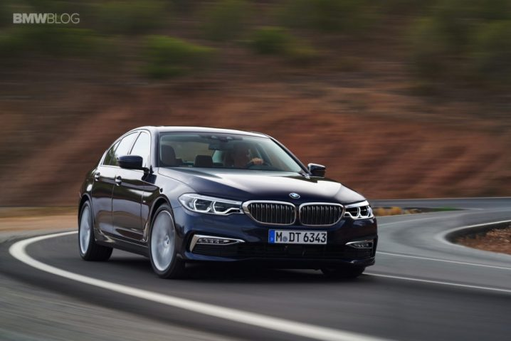 bmw-g30-5-series-luxury-line-exterior-32-1024x683