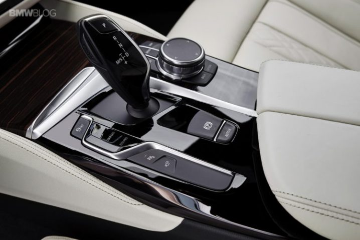 bmw-g30-5-series-m-sport-interior-27-750x500