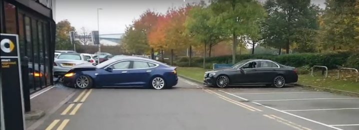 tesla-model-s-has-airborne-crash-in-the-uk-flies-into-mercedes-benz-dealership_2