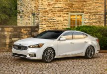 Kia anunță prețurile pentru noul Cadenza 2017; Sedanul începe de la 32.890 dolari