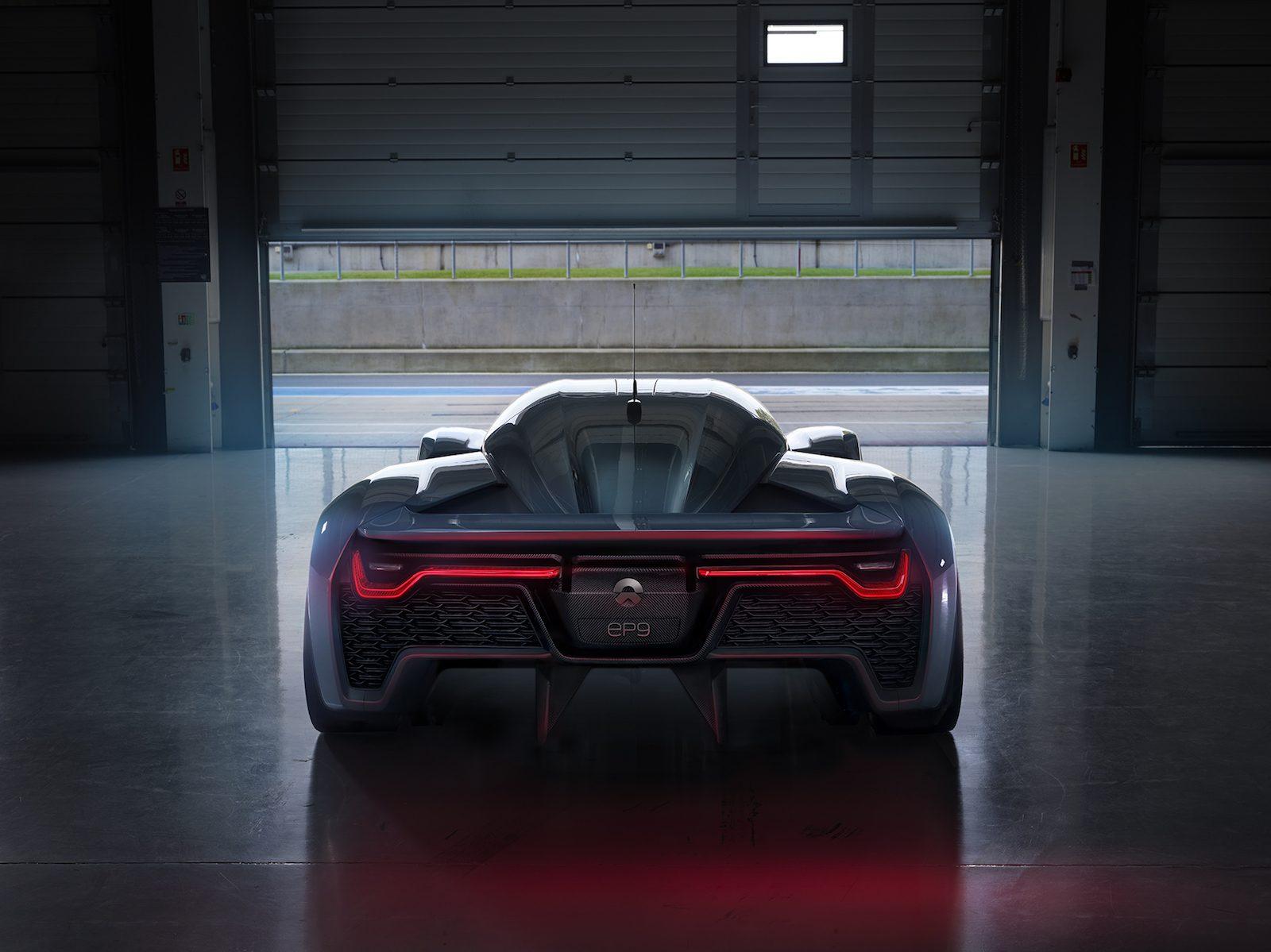 nio-ep9-rear-1