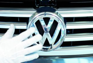 Volkswagen se pregăteşte de 23.000 de restructurări în Germania; Va investi miliarde de euro în automobile electrice