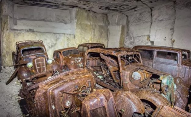 french-cars-abandoned-in-mine-626x382