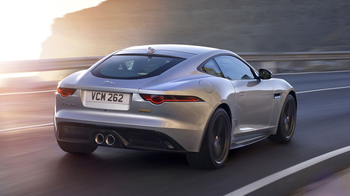 jaguar f type 2018 footgrafii (1)