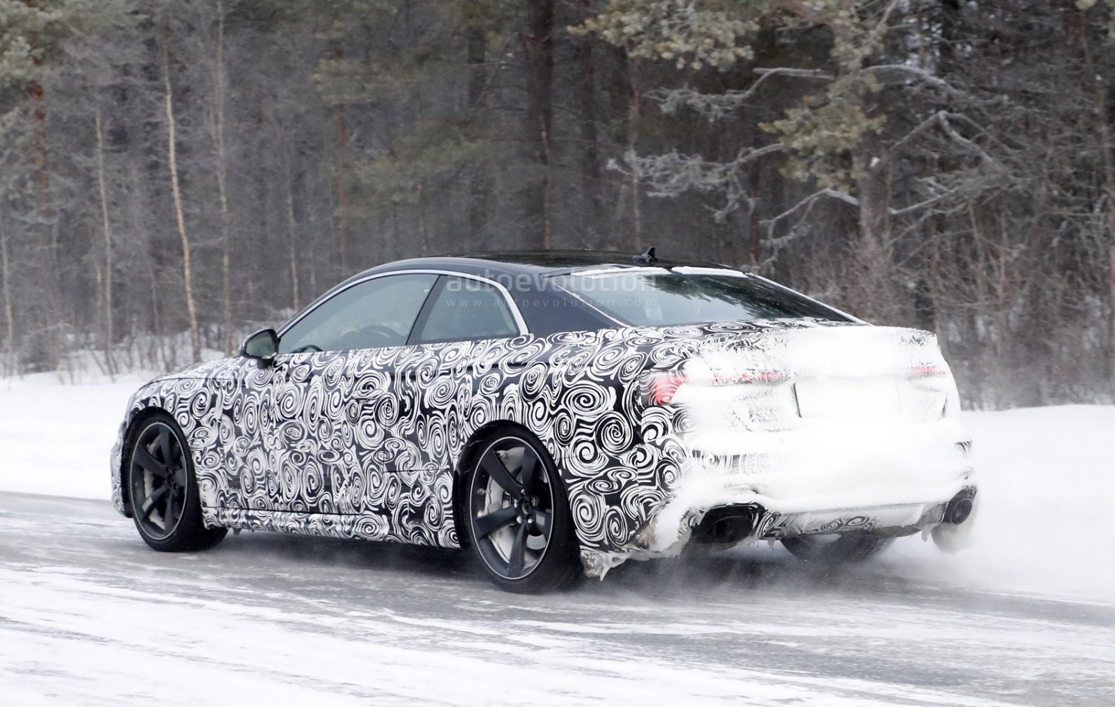 2018-audi-rs5-coupe-winter-testing-with-450-hp-600-nm-twin-turbo-v6_6