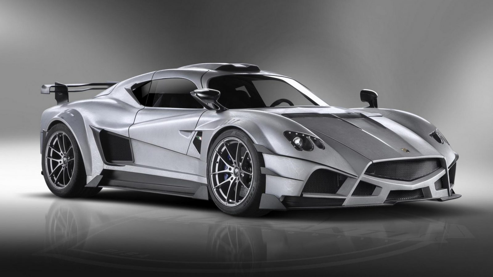 new-mazzanti-evantra-supercar-spied-in-italy-expect-at-least-800-hp_5