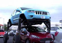 Hum Rider e maşina ideală care te scapă de cel mai aglomerat trafic, devine vedeta unei reclame din SUA (Video)