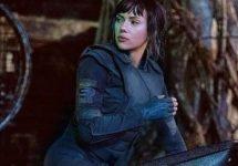 Scarlett Johansson urcă pe o motocicletă futuristă Honda în noul film Ghost in the Shell
