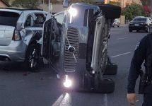 Un automobil autonom Uber are un accident grav în Arizona, fiind întors pe o parte; Uber opreşte testele self driving