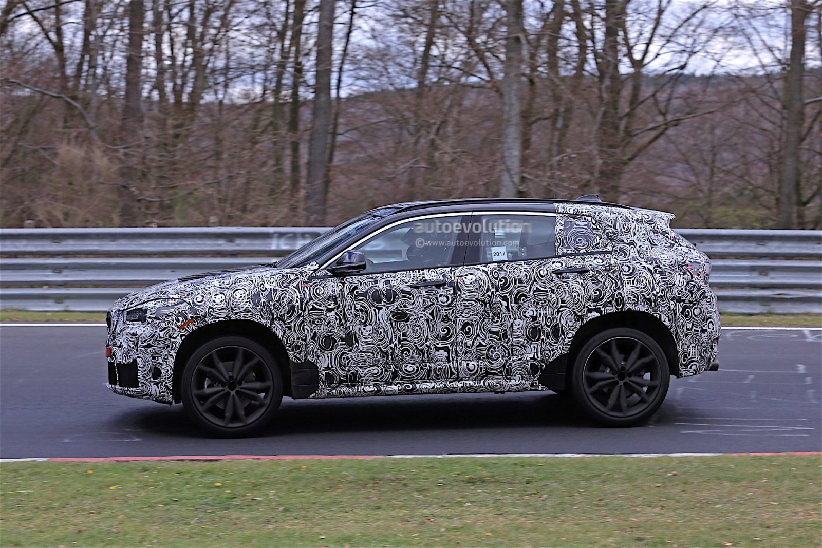 2018-bmw-x2-prototype-spied-on-the-nrburgring_3