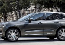 Volvo prezintă noul XC60 2018 la Salonul Auto de la New York, cu extra siguranţă pentru pasageri şi pietoni