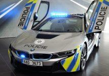 BMW i8 este o maşină de poliţie la care vei opri din admiraţie pentru design