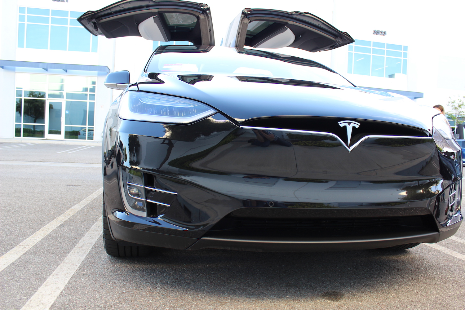 Tesla-Model-X-Black-Eye