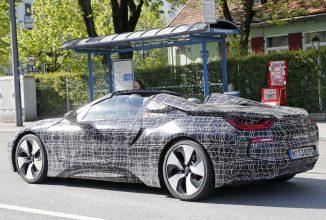 BMW i8 Spyder apare în fotografii spion, va sosi pe piaţă în 2019