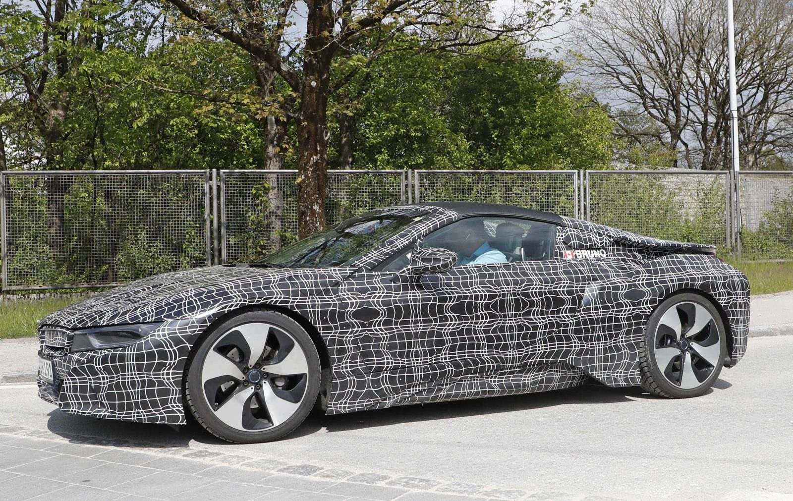 bmw-i8-spyder-close-and-personal-7-1
