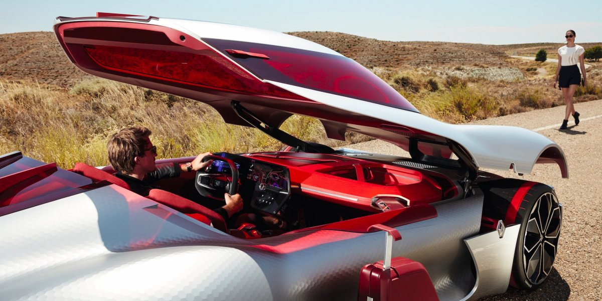 the-supercar-isnt-completely-impractical-though-in-fact-theres-a-storage-compartment-in-the-front-so-you-can-stow-your-luggage
