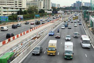 Singapore va limita numărul de maşini care au voie să ruleze pe străzi din 2018