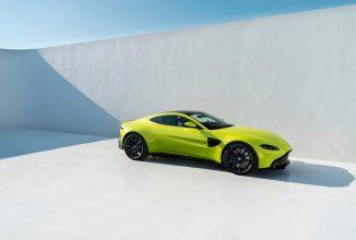 Aston Martin prezintă noul Vantage, o maşină sport cu motor V8, culoare de Tweety