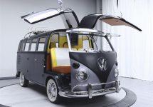 """Volkswagen Kombi din 1967 e tunat în stil """"Back to the Future"""", într-un mod super geeky şi nerdy"""