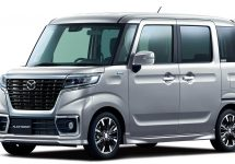 Dubiţe noi şi inedite debutează în Japonia: Mazda Flair Wagon şi Flair Wagon Custom Style
